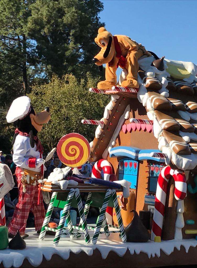 Pluto Parade, Disneyland